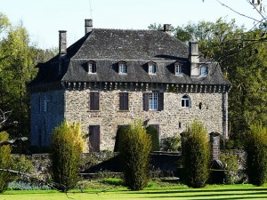 Chateau de Saillant - Source : Wikimedia